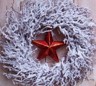 Christmas-winter-wreath-country-snow-white-red-star-twig-207563-772x695