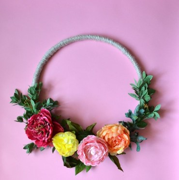 Colorful-summer-wreath-tutorial