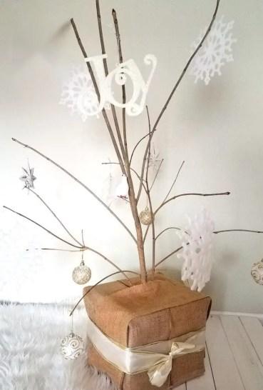 Diy-twig-christmas-tree-minimalist-rustic-budget-2424990-772x1143