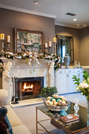 Living-room-christmas-decorations-pictures-and-ideas