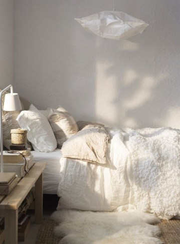 Scandinavian-winter-bedroom
