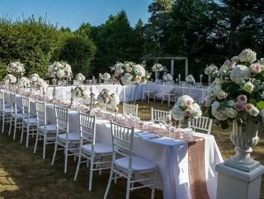 Wedding-decorations-urn-flowers