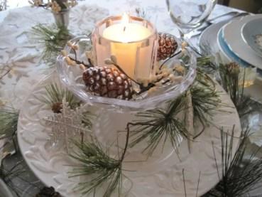 Winter-centerpieces-for-wedding-tables-lantern-768x576
