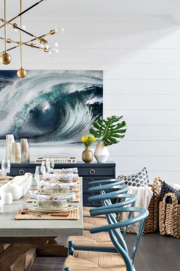 04-an-ocean-swirl-artwork-in-the-dining-room-makes-a-bold-statement