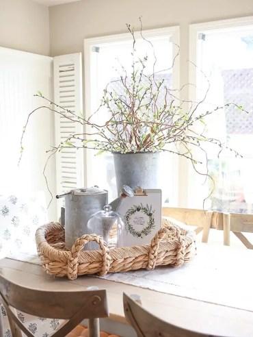 Farmhouse-galvanized-bucket-spring-decor