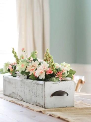 Farmhouse-wooden-box-spring-centerpiece