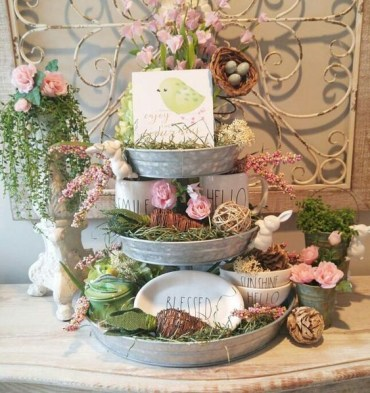 Fuschia-and-white-tiered-tray