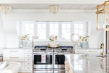Gorgeous way to decorate a home with faux florals in spring that so inspiring 3