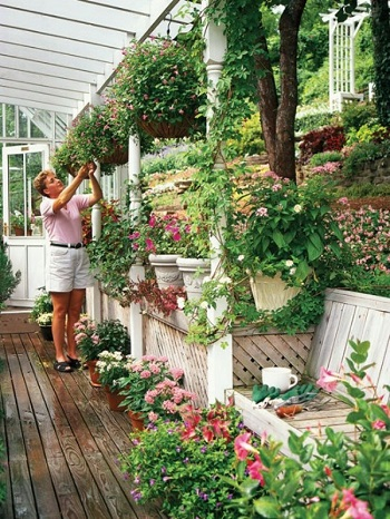 Layered gardens Turn Your Small Space Into A Large Garden Area With These Genius Space-Savvy Solutions
