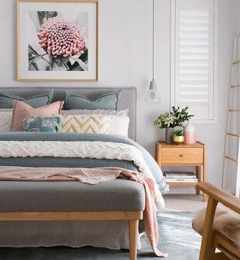 Simple decor bedroom for spring
