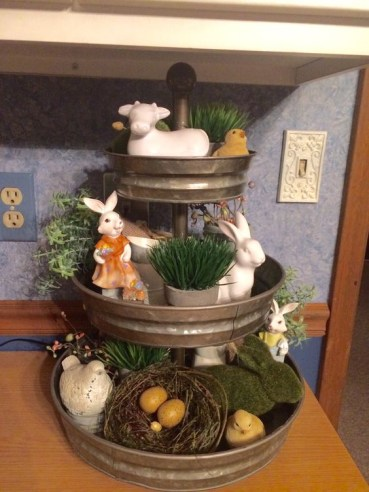 Spring-tiered-tray