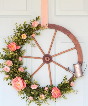Farmhouse-wagon-wheel-wreath-5548-3
