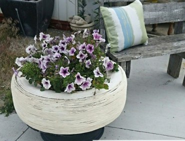 S-check-out-these-adorable-container-garden-ideas-to-copy-this-spring (1)