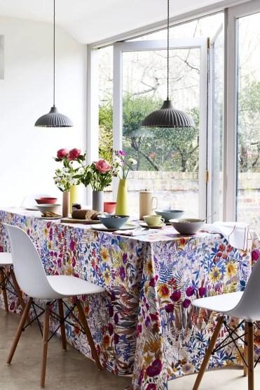 Spring-decor-ideas-floral-tablecloth-1578432966