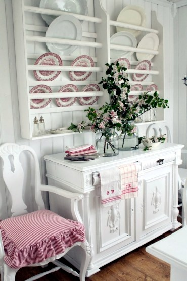 Spring-decorating-ideas-beautiful-arrangements-for-the-panel-and-the-door-14-263
