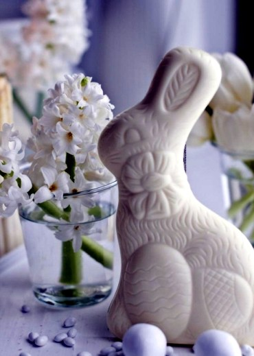 Spring-decorating-ideas-beautiful-arrangements-for-the-panel-and-the-door-2-263