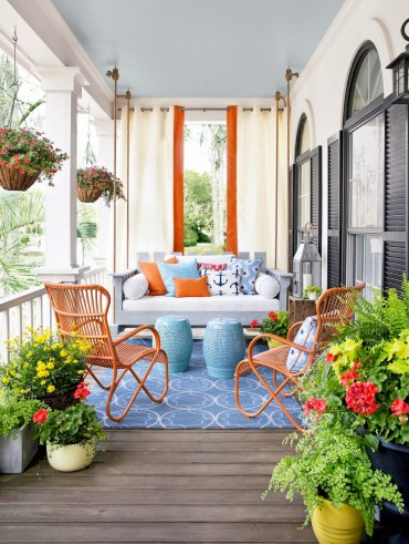 01-porch-decoration-ideas-homebnc