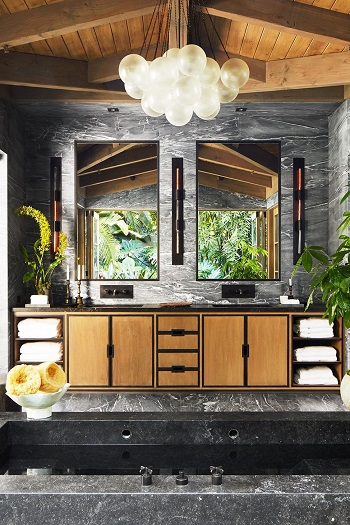 Cabin-inspired bathroom decor