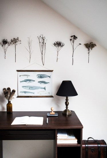 Dried-flower-hangings.