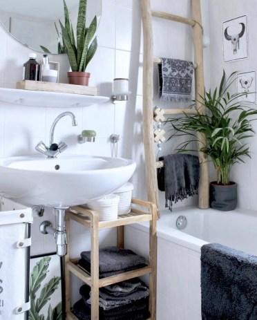 Fresh-guest-bathroom