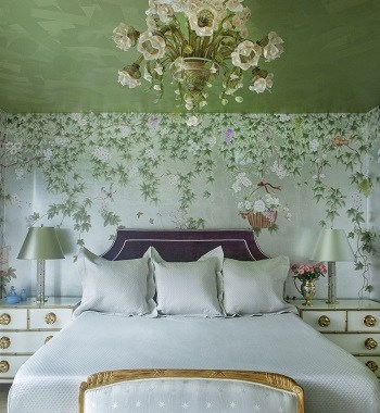 Whimsical bedroom in contrast color