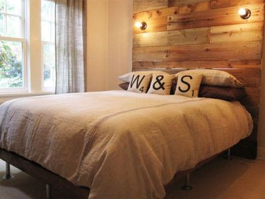 Reclaimed-wood-headboard
