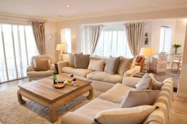 10-idee-di-design-soggiorno-beige-homebnc