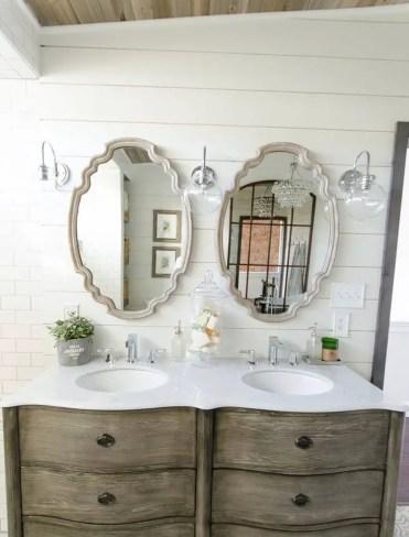14-farmhouse-mirror-ideas-homebnc