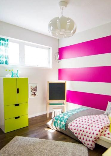 2-striped-fuchsia-teenage-room