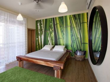 Bamboo-print-steals-the-show-in-this-elegant-bedroom