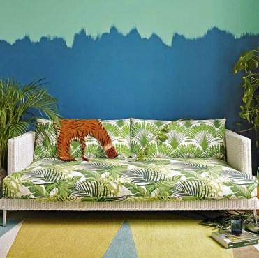 Modern-tropical-living-room-with-vibrant-palm-print-sofa_0-920x920-1