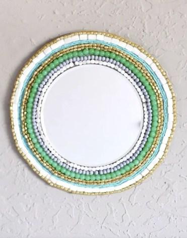Beaded-wall-mirror-boho-decor-ideas-1580852782