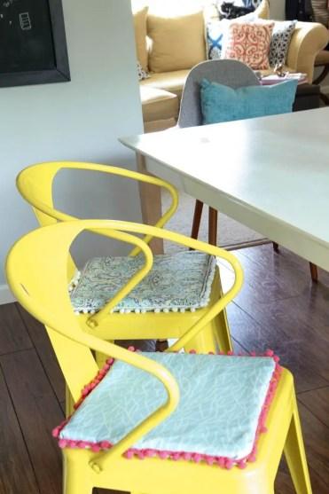 Diy-no-sew-kitchen-chair-cushions-20-1