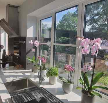 Flower-decor-kitchen-decor-ideas-ourhouse_inthemiddleofourlane