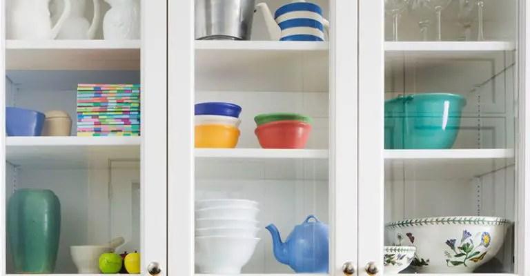 Gallery-1501515909-kitchen-shelves