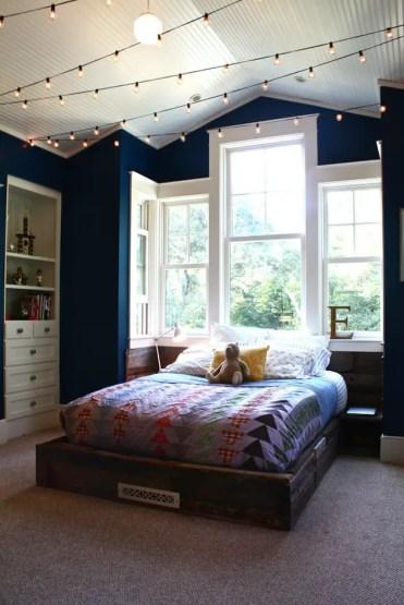 Luci-sul-soffitto-camera-da-ragazzo-adolescente