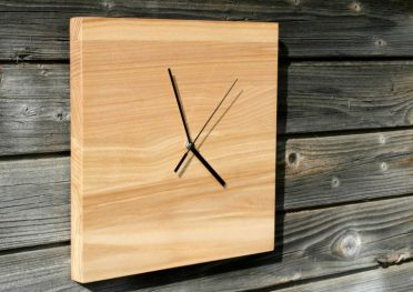 15-creative-handmade-wall-clock-designs-you-will-want-to-diy-3-768x541-1