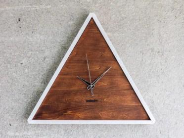 15-creative-handmade-wall-clock-designs-you-will-want-to-diy-6-768x576-1