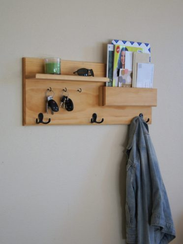 18-practical-handmade-coat-rack-ideas-you-can-produce-by-yourself-1-620x824-1