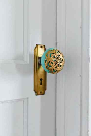 2-127-unique-and-interesting-door-knobs-for-an-appealing-front-door-7