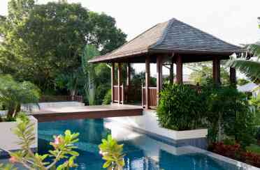 2-pool-cabana-apr8-3