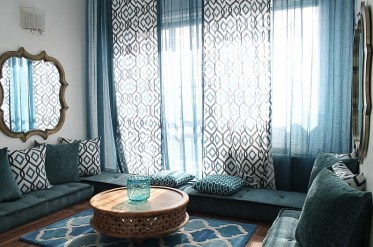 A-living-that-is-draped-in-blue