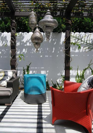 Contemporary-patio-feels-like-a-relaxing-mediterranean-escape