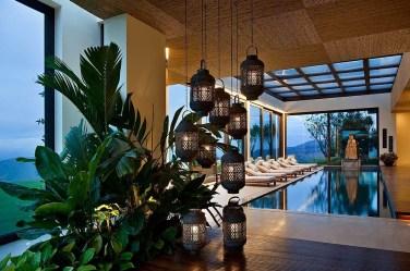 Lantern-lighting-brings-mediterranean-elegance-to-the-tropical-poolscape