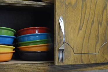 Recycled-diy-fork-cabinet-pull