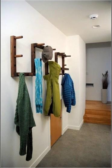 Cool-wall-mounted-coat-racks-ideas-space-saving-furniture-ideas-natural-materials