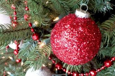 Diy-glitter-ornaments-new-main