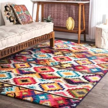 Ethnic-rug-with-geometric-pattern-living-room-bedroom-decor-ideas