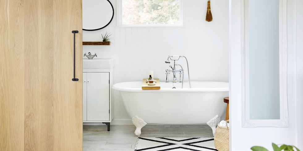 How-to-clean-bathroom-1583784879