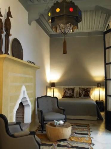 Mysterious-moroccan-bedroom-designs-65-554x738-1